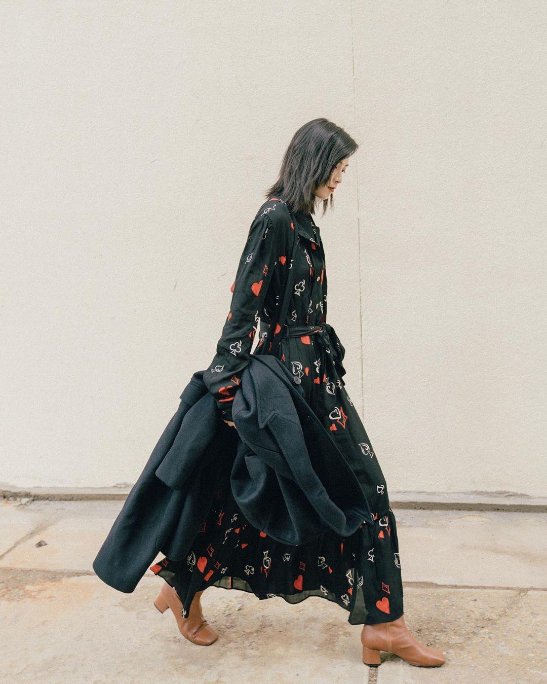 Không kiểu váy nào vượt qua được váy dáng dài về độ sang chảnh, yêu kiều và hợp rơ với tiết trời se lạnh-9