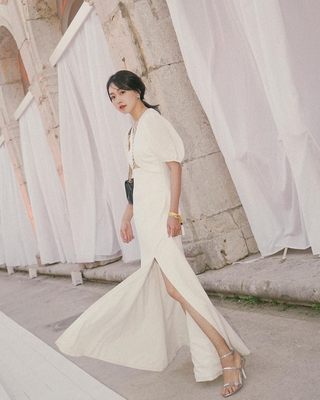 Không kiểu váy nào vượt qua được váy dáng dài về độ sang chảnh, yêu kiều và hợp rơ với tiết trời se lạnh-14