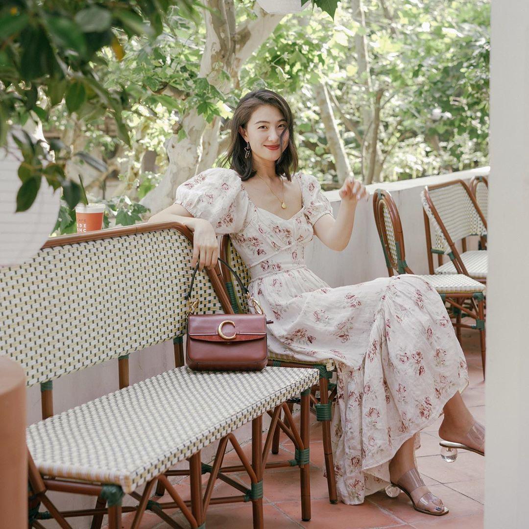 Không kiểu váy nào vượt qua được váy dáng dài về độ sang chảnh, yêu kiều và hợp rơ với tiết trời se lạnh-3