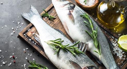 Bà bầu ăn cá trong thai kỳ: Nên hay không?