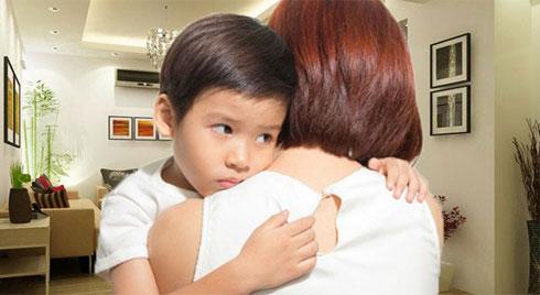 """""""Mẹ ơi, cô giáo không thích con!"""", đây là câu trả lời của người mẹ giúp con tự tin trở lại và vui vẻ tới lớp"""