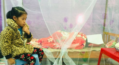 Xót thương cô giáo tử vong vì tai nạn không có nổi chiếc quan tài, con trai sốc nhập viện, con gái thẫn thờ bên thi thể mẹ