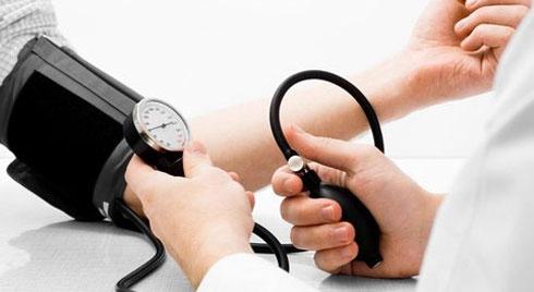 Ngừa hạ huyết áp khi đứng ở người cao tuổi