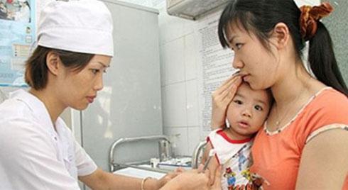 Nhiều ca bệnh nhiễm bệnh bạch hầu nhập viện điều trị tại Bệnh viện Phụ sản - Nhi Đà Nẵng, 2 trường hợp đã tử vong