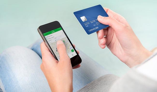 Cảnh báo: 3 nguy cơ luôn rình rập khi để tiền trong thẻ ATM ai cũng cần biết-3