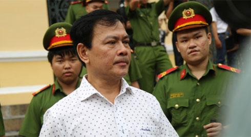 """Vụ """"nựng"""" bé gái 8 tuổi trong thang máy: Bác kháng cáo, tuyên phạt Nguyễn Hữu Linh 18 tháng tù giam"""
