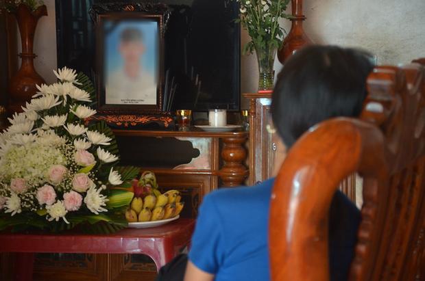 39 người Việt tử vong trong xe container: Bố khản giọng khi nhận thông tin chính thức, mong thi thể con sớm được đưa về quê nhà-3
