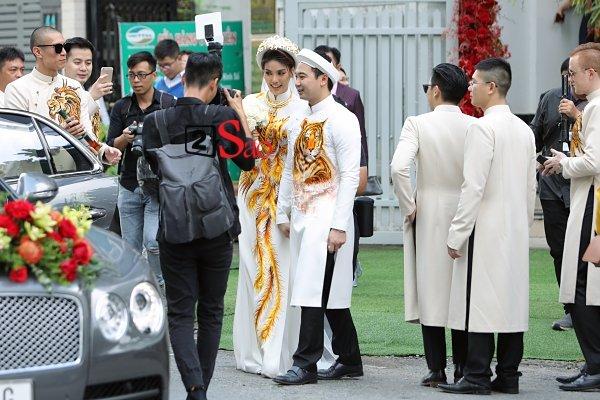 Đông Nhi và những mỹ nhân Việt chọn áo dài trắng thuần khiết trong lễ vu quy-6