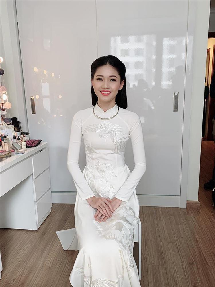 Đông Nhi và những mỹ nhân Việt chọn áo dài trắng thuần khiết trong lễ vu quy-8