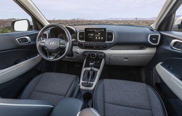 Cận cảnh crossover giá rẻ hoàn toàn mới - Hyundai Venue 2020-4