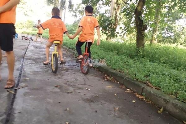 Theo khóa học xiếc tại Tâm Việt, trẻ suýt chấn thương sọ não, sốt nằm co ro không ai chăm-1