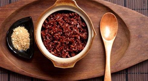 Ăn gạo lứt, muối vừng, một phụ nữ nguy kịch: Quan niệm sai lầm về ăn chay