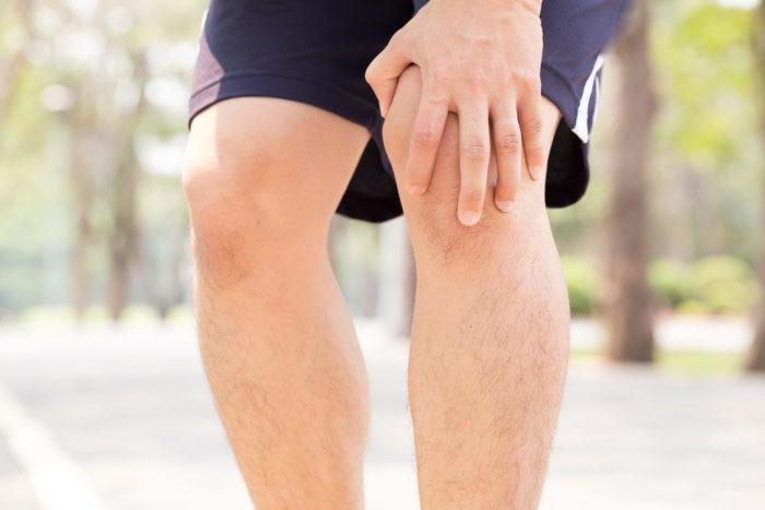 Sơ cứu khi bị gãy xương: Đừng cố di chuyển người bệnh-1