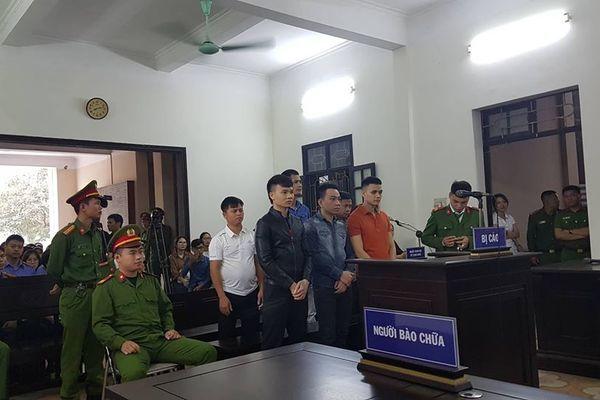 Khá bảnh được áp giải tới tòa, xuất hiện nhân vật tên Vỹ-2