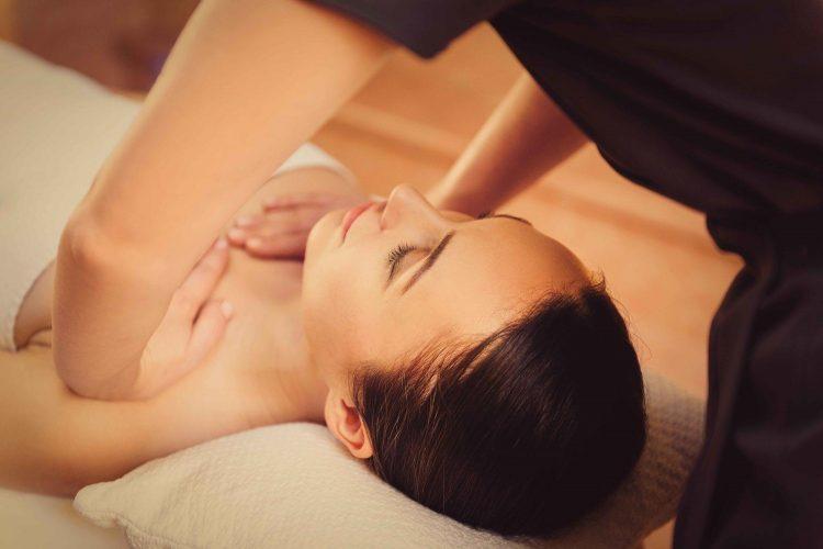 6 cách tự nhiên giúp bạn giảm đau ngực trước kỳ kinh-3