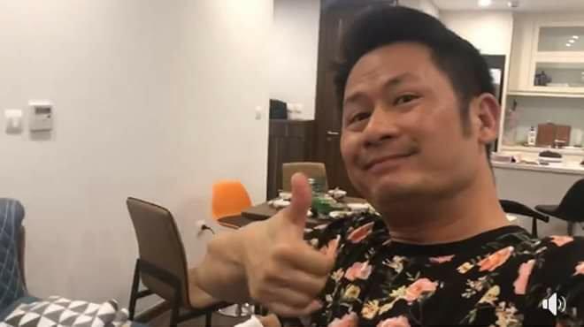 Việt Nam 1-0 UAE: Hoài Linh hờn không được lên TV, Bảo Anh cởi hết ăn mừng-2