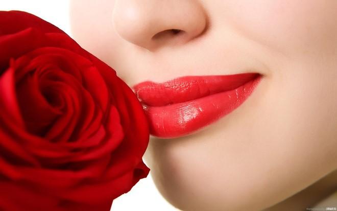 Bỏ 1 phút làm theo cách này: Giữ đôi môi luôn căng mọng, không bao giờ sợ bị khô nứt-1