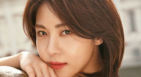 Hóng bí kíp skincare từ loạt sao Hàn có làn da em bé như Suzy, Song Hye Kyo.