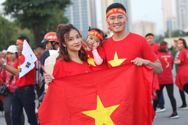 Nóng rực đại chiến Việt Nam - Thái Lan: Dàn hotgirl rạng rỡ tiếp lửa thầy trò ông Park-11