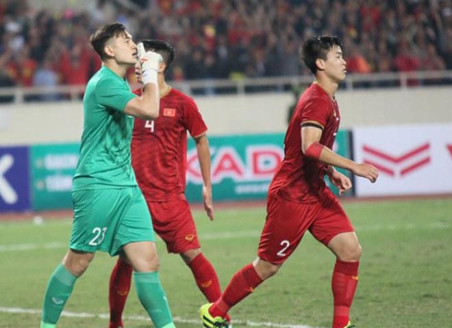 Triệu fan Việt Nam tấn công trọng tài, fan Thái Lan khen 1 SAO quá hay-2
