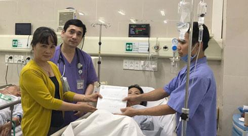 Chủ quan với cơn đau đầu, cô gái trẻ rơi vào hôn mê vì đột quỵ