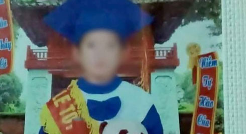 Manh mối vết máu trên tay áo tố mẹ kế sát hại con chồng ở Tuyên Quang