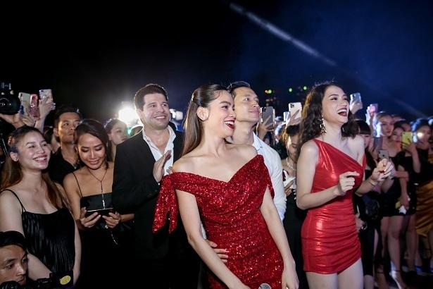 Hồ Ngọc Hà tưng bừng đón tuổi 35 bên Đàm Vĩnh Hưng, Hương Giang-7