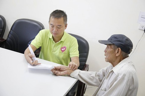 Giám đốc BV ĐH Y Hà Nội khuyên những điều dắt lưng người bệnh cần nhớ khi đi viện-1
