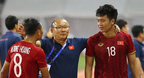 U22 Việt Nam hạ Indonesia: Thầy Park cao tay, lại còn may!