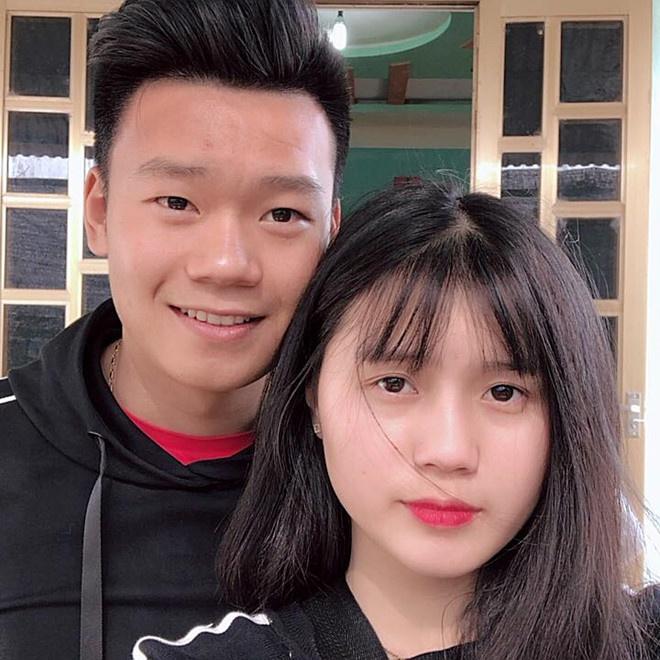Trung vệ Thành Chung và chuyện tình 3 năm bên bạn gái 10X-6