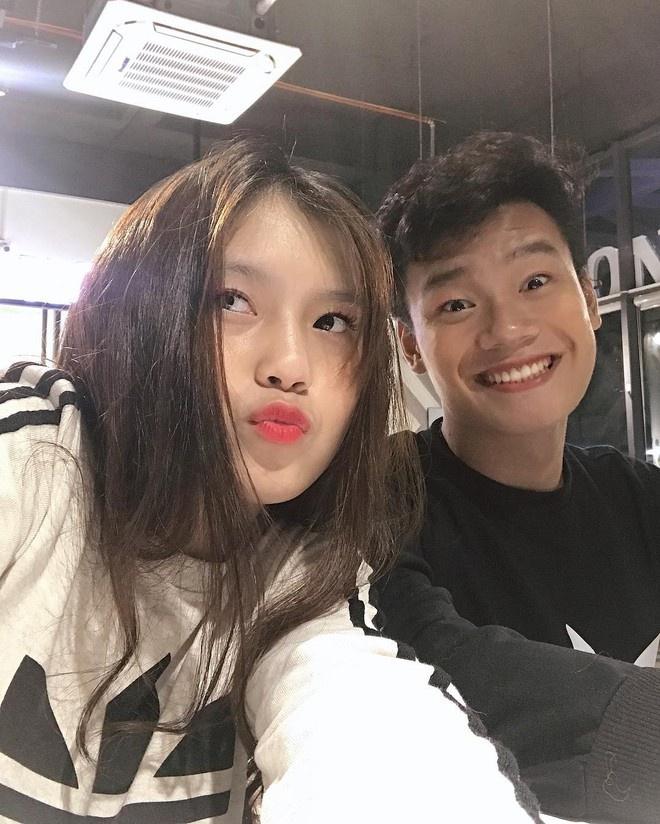 Trung vệ Thành Chung và chuyện tình 3 năm bên bạn gái 10X-7