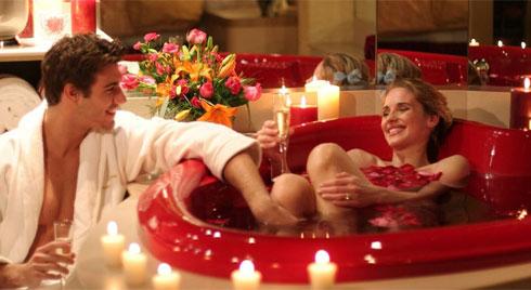 """Định tạo không khí lãng mạn cho đêm """"vui vẻ"""", cặp đôi được phát hiện suýt chết tại nhà riêng"""