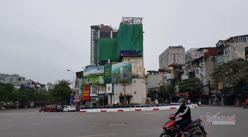 'Chuồng cọp' khủng mọc trên trung tâm thương mại án ngữ 'đất vàng' bậc nhất Hà Nội-4