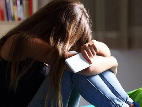 Cha mẹ ly hôn, làm sao để con tránh được cú sốc, không tìm đến cái chết?-1