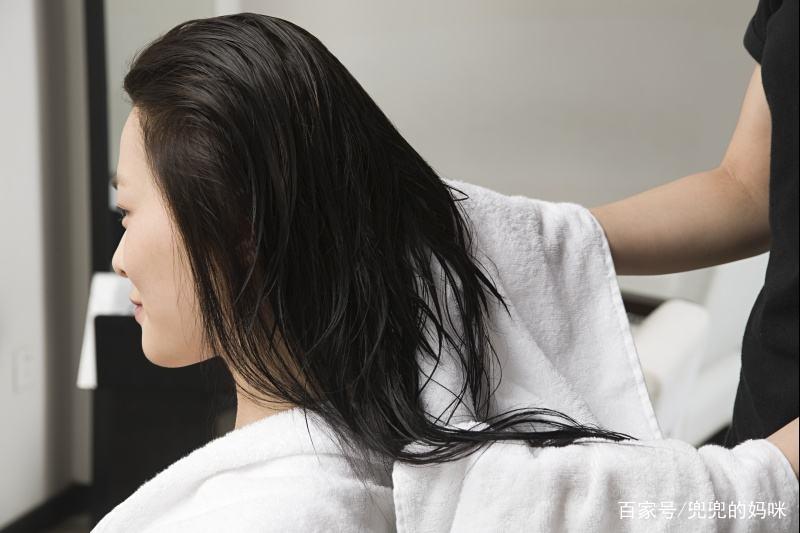 6 thói quen xấu khiến rụng tóc, hói đầu nhiều người không biết-4