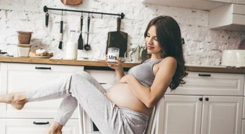 Ngứa ngực khi mang thai: Nguyên nhân và cách khắc phục