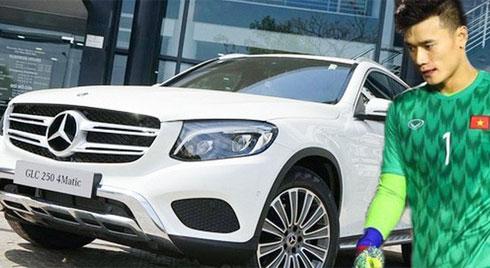 Đại gia tặng riêng thủ môn Bùi Tiến Dũng Mercedes-Benz 2 tỷ