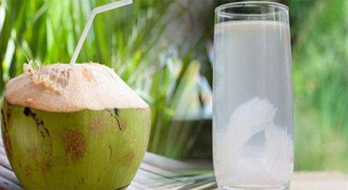 10 tác dụng của uống nước dừa tươi với sức khỏe