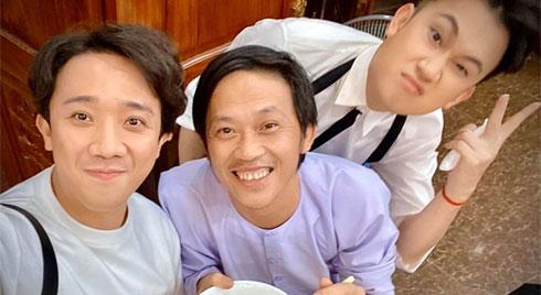 Hé lộ không gian tiệc sinh nhật giản dị bất ngờ của danh hài Hoài Linh