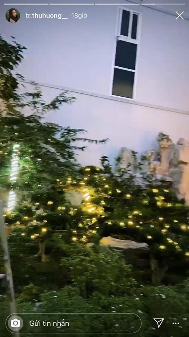 Cô dâu 200 cây vàng khoe trang hoàng nhà cửa dịp Giáng sinh, để lộ chỗ ở là biệt phủ siêu to khổng lồ-4
