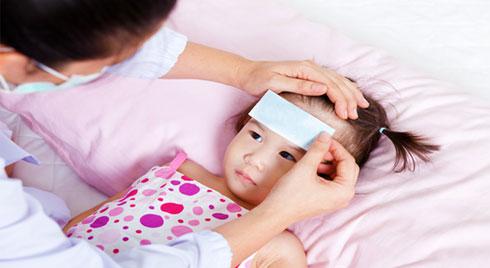 Mùa cúm bùng phát, bác sĩ nhi khuyến cáo cha mẹ phải tuân thủ thật nghiêm khắc 5 cách chống lây nhiễm cúm sau