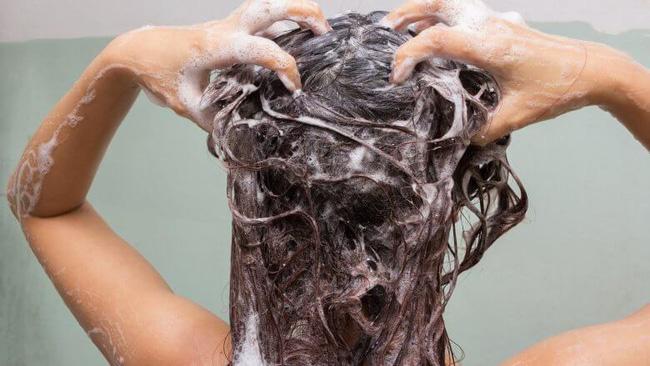 5 không khi gội đầu để mái tóc luôn khỏe mạnh-2