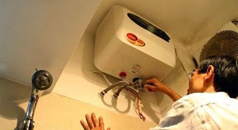 Vừa tắm vừa bật nóng lạnh, lỗi nhỏ khiến tiền điện tăng gấp 3 nhà nào cũng mắc