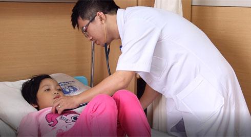Không chỉ Hà Nội, các tỉnh miền núi cũng gia tăng bệnh nhân mắc cúm: Bác sĩ điểm những lưu ý trong việc chăm sóc trẻ bị cúm