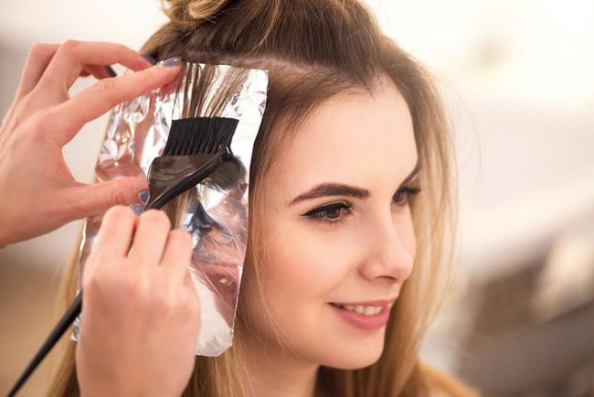 Những người thích nhuộm tóc sẽ có 4 thay đổi trong cơ thể, nguy hiểm nhất là số 1-1