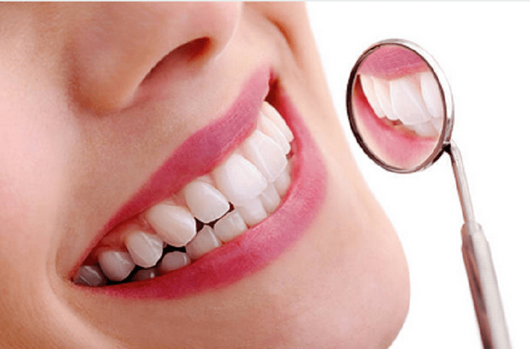 Thói quen súc miệng nước muối giúp bạn chăm sóc răng trắng khỏe-1