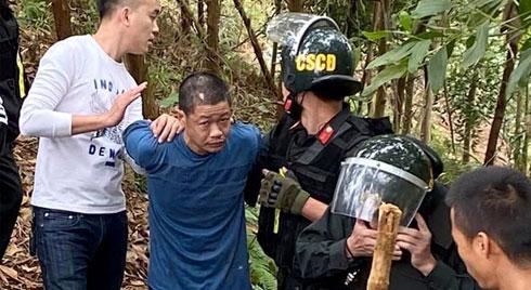 Cảnh sát khống chế kẻ ngáo đá chém chết 5 người Thái Nguyên