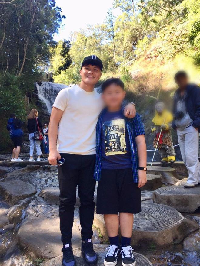 Quang Hải du lịch kín cùng bạn gái tin đồn Huyền My, fan lại vô tư đăng ảnh selfie cùng thần tượng để lộ tất cả?-5