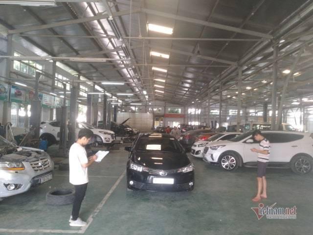 Bảo dưỡng ô tô cuối năm: khách xếp hàng đợi, garage bội thu-3