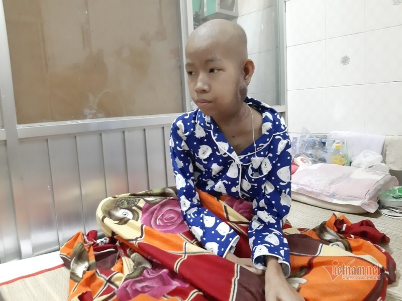 Nghị lực và ước mơ của bé gái dân tộc Khmer bị ung thư tuyến mang tai-1